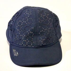 Avía Navy Hat